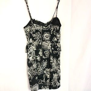 American Eagle Outfitters Dresses - AEO sz 2 bw floral peplum midi dress sexy pockets